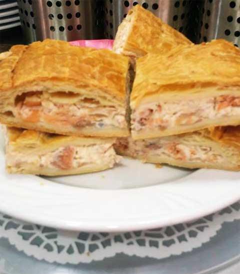 Empanada de salmón del Bar Casa EL CATETO