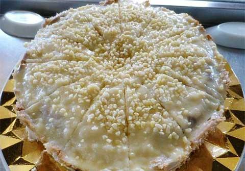 Tarta de Chocolate Blanco y Galletas del Bar Casa EL CATETO